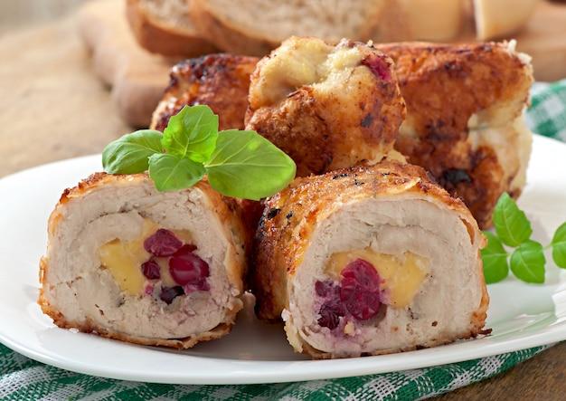 Roladki z kurczaka z żurawiną, serem i miodem