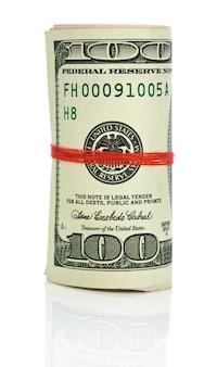 Rolka dolarów z czerwonym sznurkiem