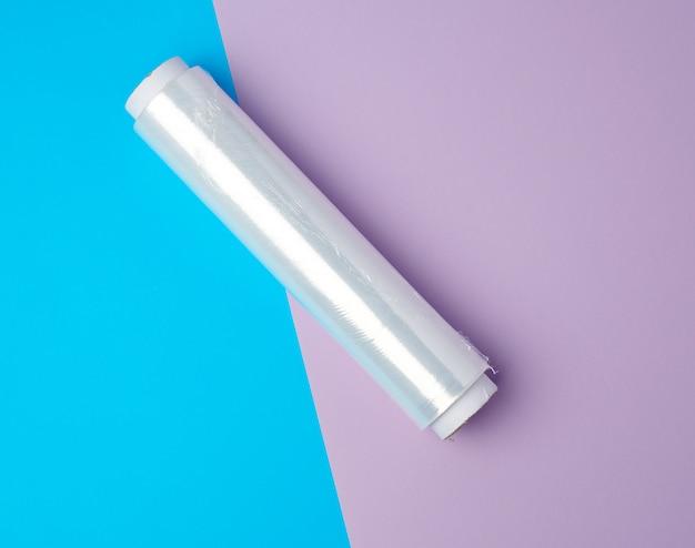 Rolka z przezroczystym białym polietylenem do pakowania produktów i opakowań
