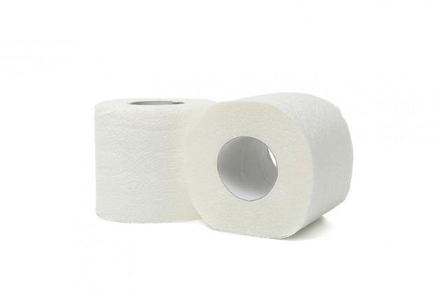 Rolki papieru toaletowego na białym tle
