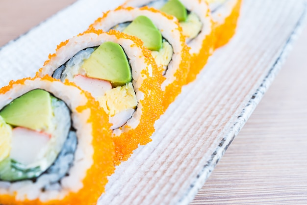 Roll sushi w kalifornii