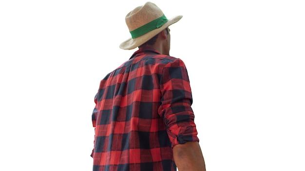 Rolnik czarny człowiek z tyłu nosi kapelusz na białym tle. miejsce na tekst.