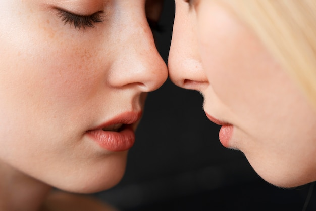 Romantyczna para kobiet z bliska