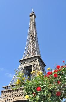 Romantyczna wieża eiffla