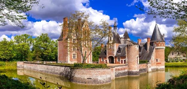 Romantyczne zamki rzeki loary - chateau du moulin