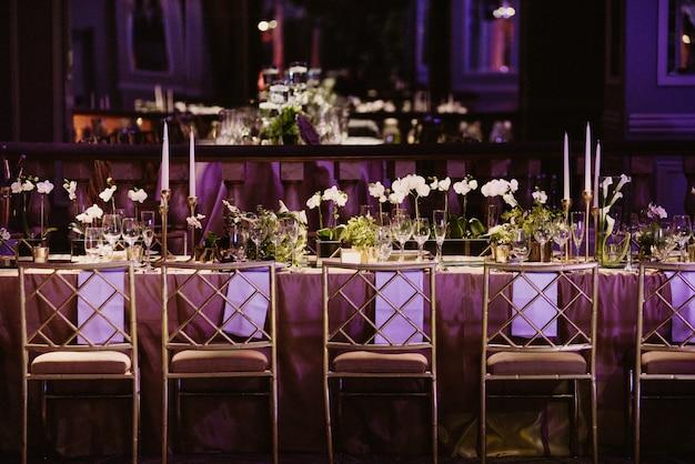 Romantyczny duży stół na wyjątkowe chwile