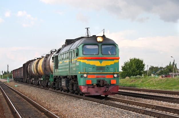 Rosyjski pociąg towarowy diesel