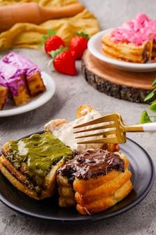Roti bakar bandung lub bandung bread toast to popularne jedzenie uliczne z bandung