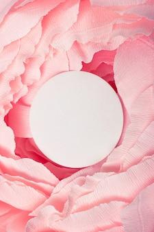 Round rama na abstrakcjonistycznej wiosny romantycznym tle.