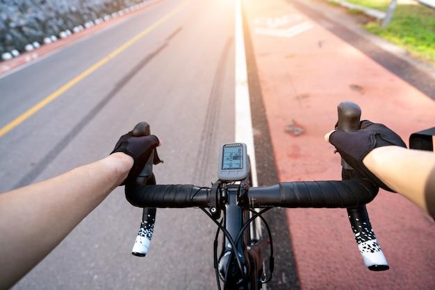 Rower szosowy kolarz człowiek na rowerze