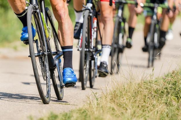 Rowerzysta w wyścigu rowerów