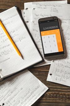 Równania matematyczne zapisuje się w zeszycie