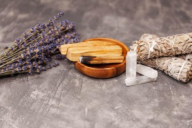 Równoważenie zestawu do oczyszczania duszy laska selenitu magiczne kryształy