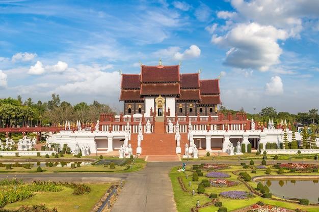 Royal ratchaphruek park w chiang mai w tajlandii