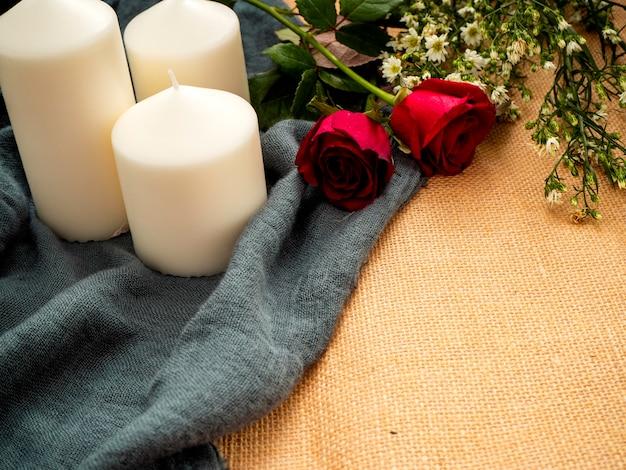 Róża ze świecami walentynki ozdoby