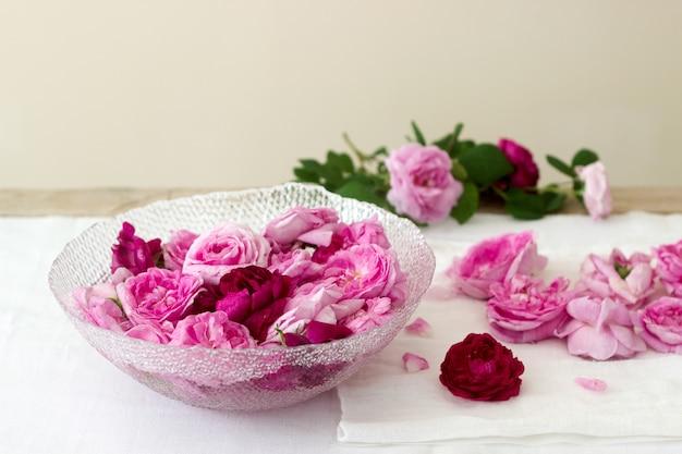 Róże i płatki róż do robienia róż