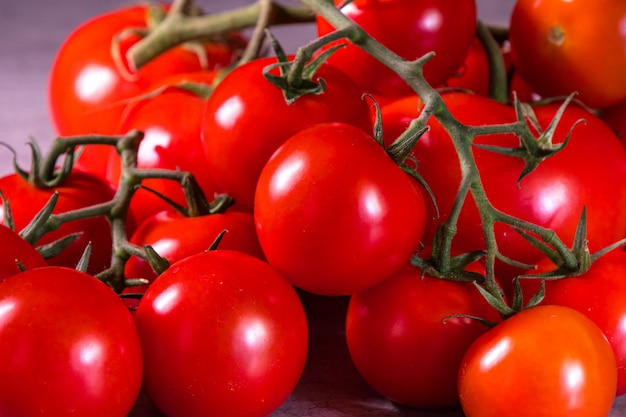 Rozgałęź pomidory, aby zrobić plakat do dekoracji kuchni