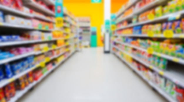 Rozmycie i rozmycie supermarketu na tle