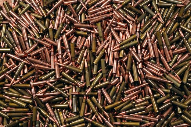 Różna amunicja do drewna.