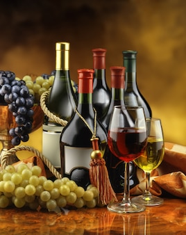 Różne butelki wina
