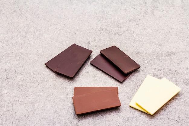 Różne czekolady o różnej zawartości kakao