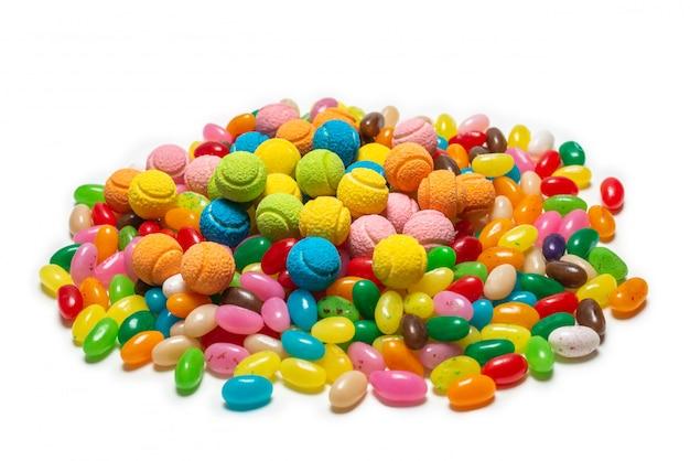 Różne gumowate cukierki. galaretki słodycze