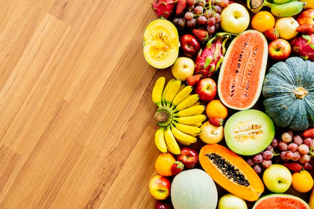 Różne i mieszane owoce