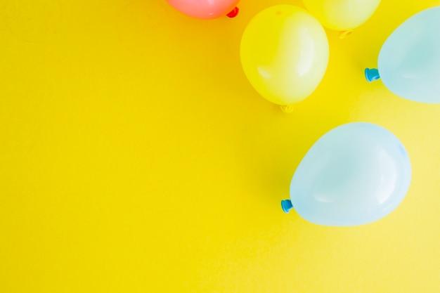 Różne kolorowe balony