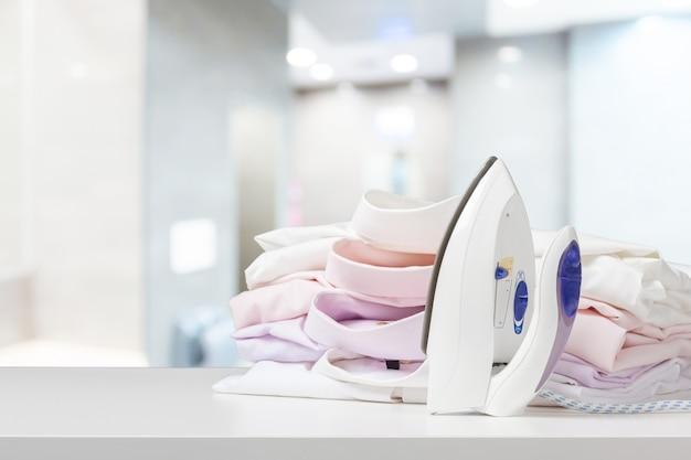 Różne kolorowe ręczniki