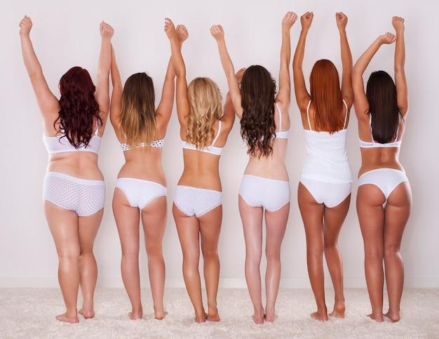 Różne kształty pośladków młodych dziewcząt