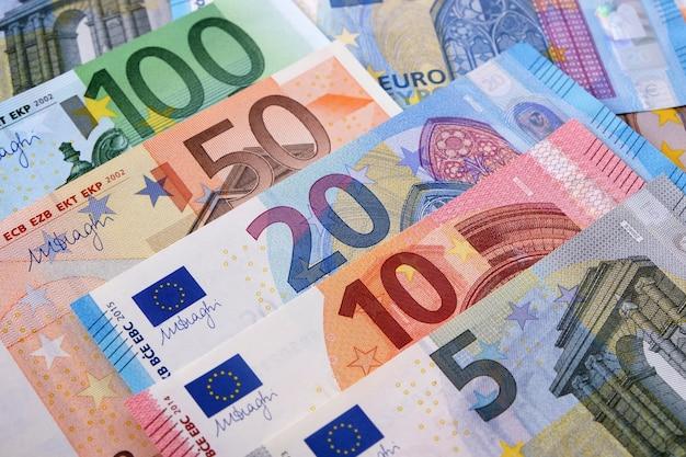 Różne noty walutowe euro