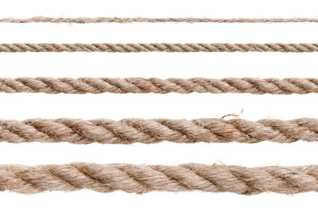 Różne rodzaje liny na białym tle