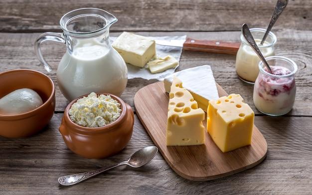 Różne rodzaje produktów mlecznych