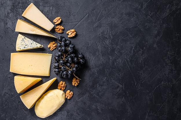 Różne rodzaje pysznego sera w tle