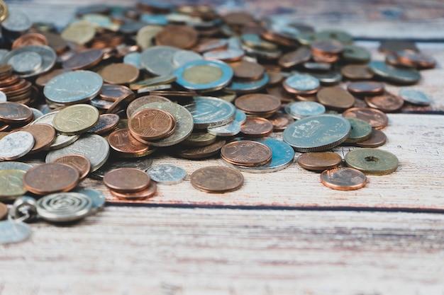 Różne stare monety