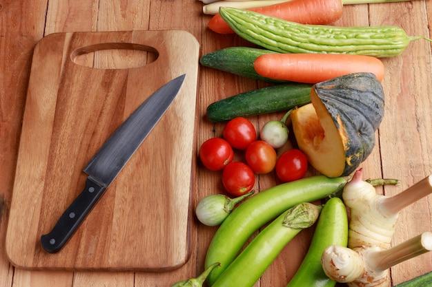 Różne warzywa, przyprawy i składniki