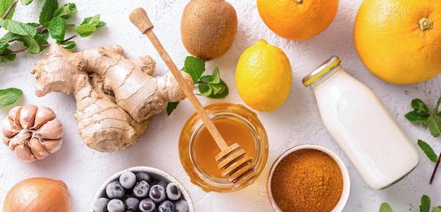Różne zdrowe produkty zwiększające odporność widok z góry