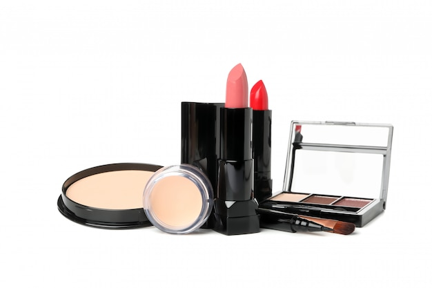 Różni makeup kosmetyki odizolowywający na białym tle. akcesoria dla kobiet