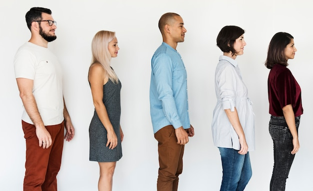 Różnorodność przyjaźni między ludźmi stoi razem