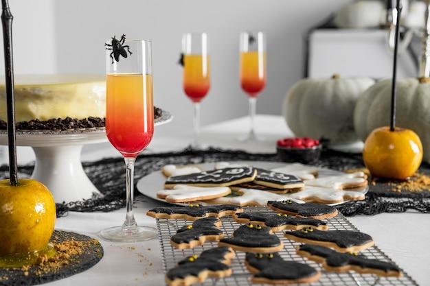 Różnorodność smakołyków na halloween