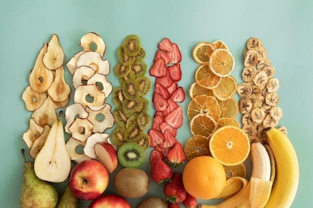Różnorodność zdrowych suszonych owoców