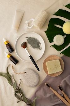 Różny skład naturalnych produktów do samoopieki