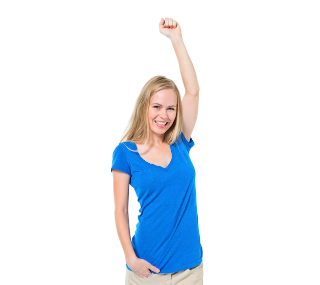 Rozochocona przypadkowa kobieta świętuje z jeden ręką podnoszącą