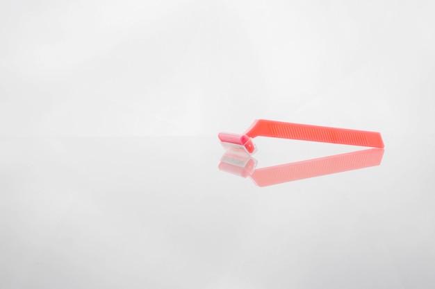 Różowa jednorazowa maszynka do golenia
