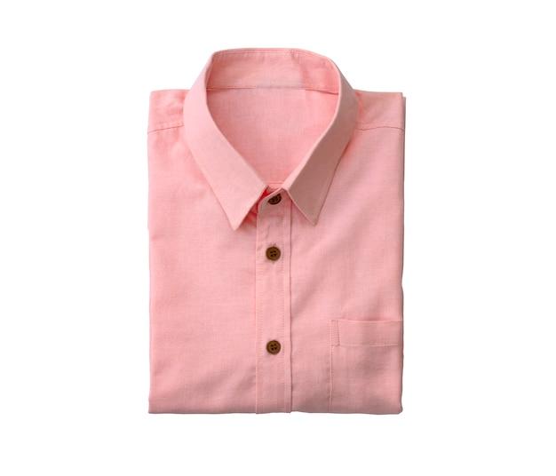 Różowa koszula mężczyzn na białym tle