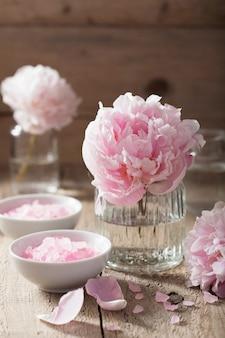 Różowa piwonia solna do spa i aromaterapii