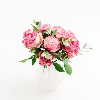 Różowa róża bukiet kwiatów na białym tle