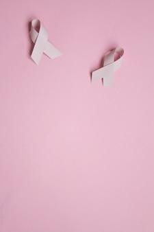Różowa wstążka symboliczny kolor łuk dla świadomości raka piersi w październiku miesiąc