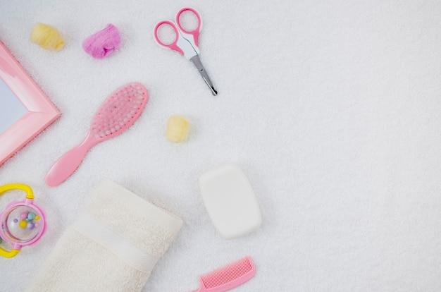Różowe akcesoria do kąpieli dla niemowląt