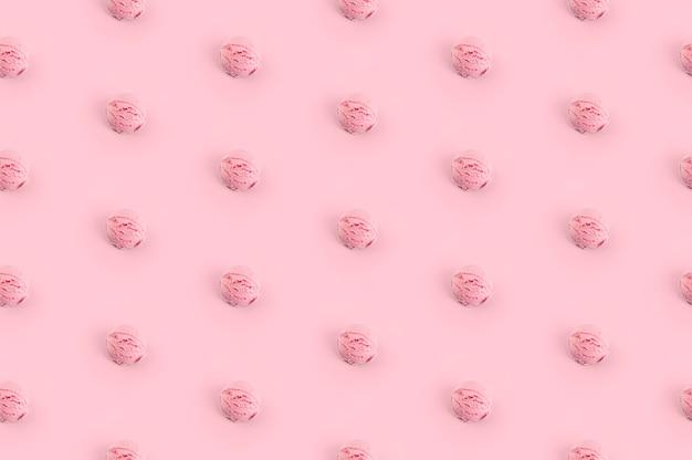 Różowe gałki lodów